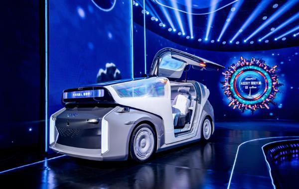 百度发布Apollo汽车机器人和无人车出行平台