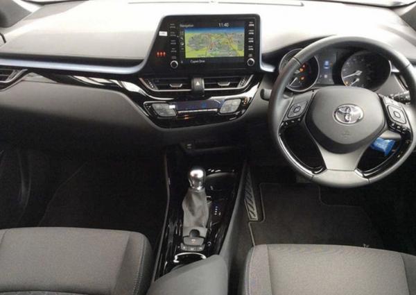 全新丰田C-HR实拍图曝光 搭载2.0L混动系统