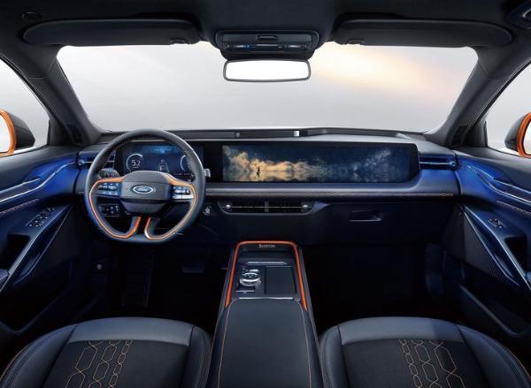 外观溜背跨界/内饰超大尺寸联屏,全新福特EVOS开启盲订