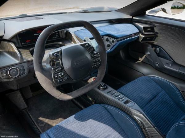 福特GT纪念版车型官图发布 黑白配色 致敬经典