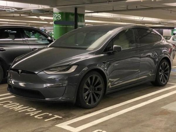 定位高性能电动SUV 特斯拉Model X Plaid谍照曝光