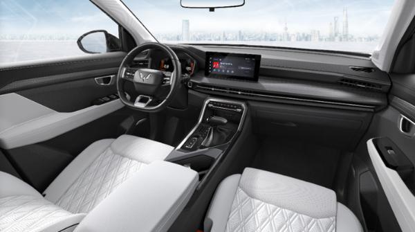 首款银标SUV 五菱星辰正式批量下线 三季度正式上市