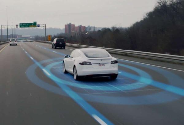 美国正式对特斯拉Autopilot开启调查 涉及76.5万辆车辆