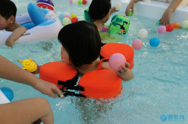 婴儿游泳有利于宝宝生长,这些注意事项也要了解
