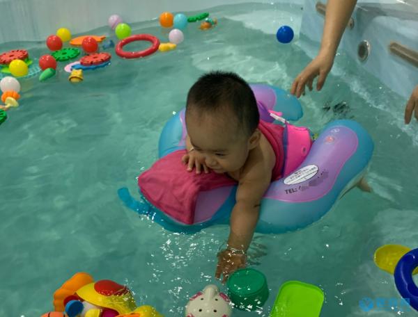一组关于游泳的调查数据,道出了婴幼儿游泳的必要