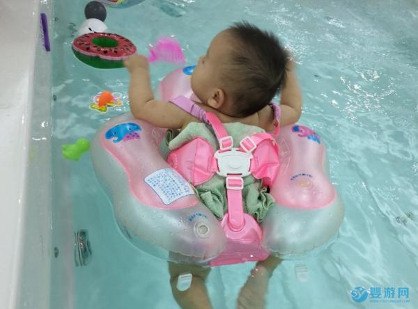 陪伴孩子成长的过程,少不了婴幼儿游泳的身影