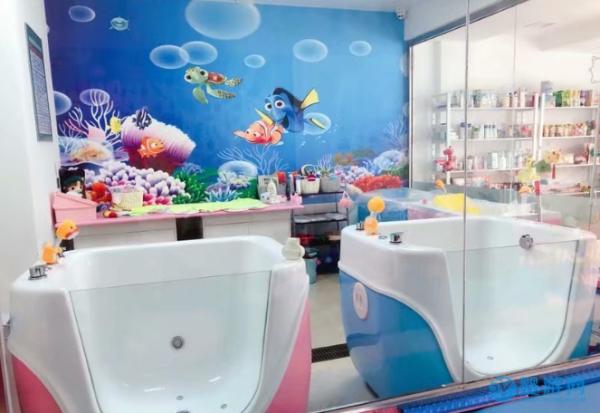 """婴儿游泳馆把客流量转为客""""留""""量,方法有这些"""