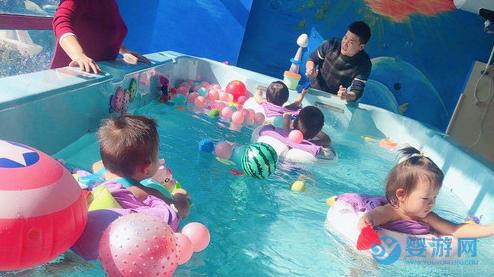 爱游泳的宝宝,爱的是健康、自由和交朋友