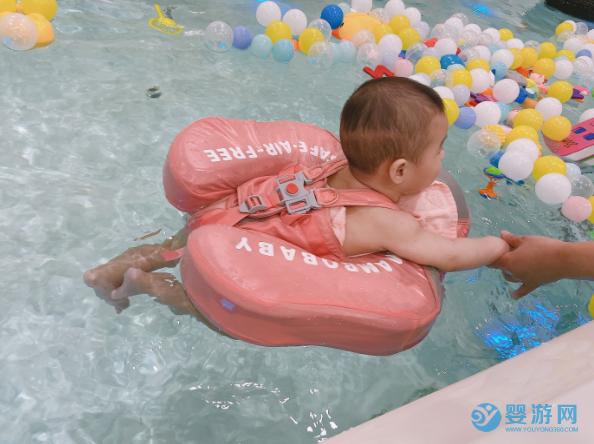 婴儿游泳一次、一周、一月、半年、一年后,身体会发生哪些变化