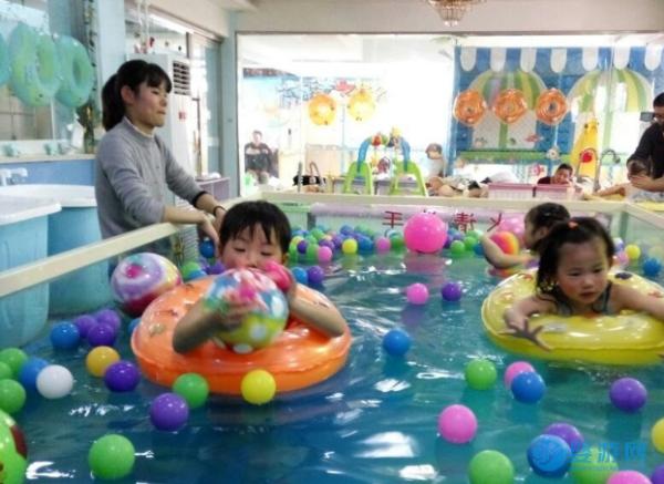 有这几种情况的宝宝最适合去婴儿游泳馆,你家宝宝呢
