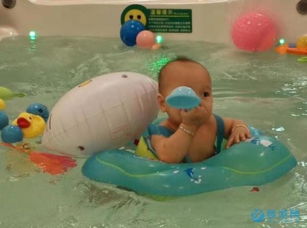 春天宝宝有这三种表现要多游泳,说明到了猛长期