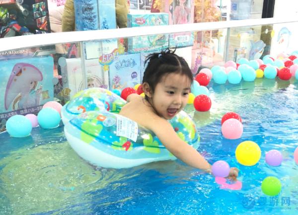 婴幼儿游泳在宝妈之间这么有影响力,有这几方面原因