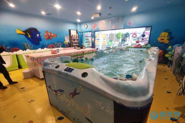 开婴儿游泳馆加盟还是自营,分析优缺点和选择