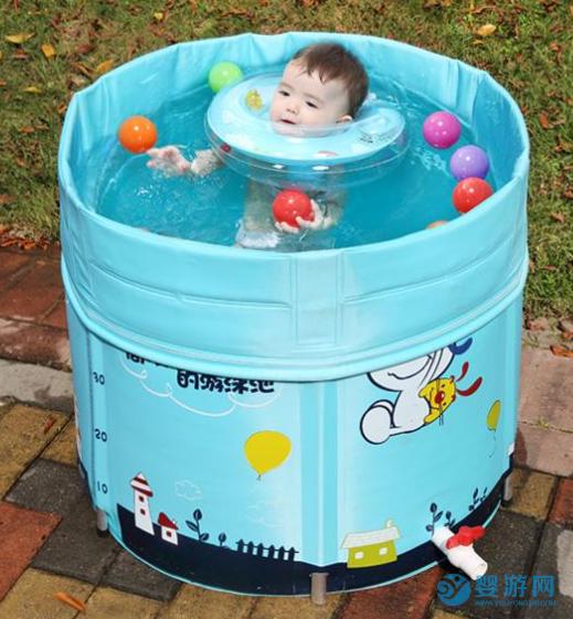 在家戴脖圈和桶里游泳?和婴幼儿游泳馆的体验差太多