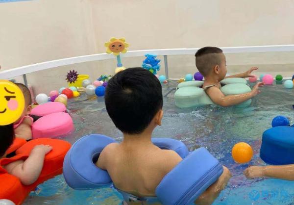 参加婴幼儿游泳,是对孩子一生最大的负责