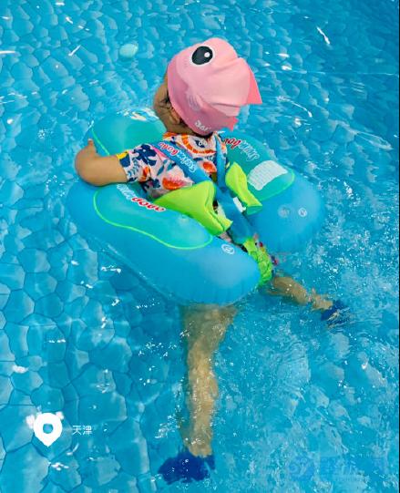 夏天轻松带娃好去处,婴儿游泳馆是首选