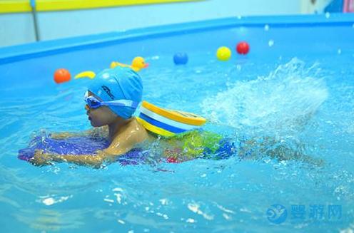 婴幼儿游泳,只有参与进去才能领略它的魅力