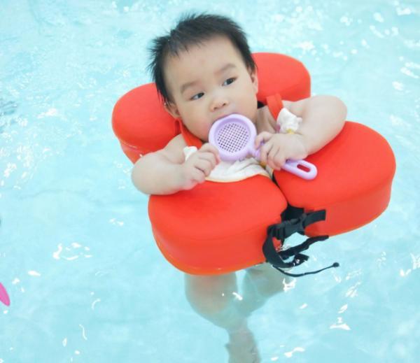 婴幼儿夏日舒适指南——游泳,锻炼身体且快乐