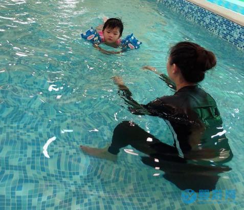 为什么你的婴儿游泳馆会陷入价格战的困境