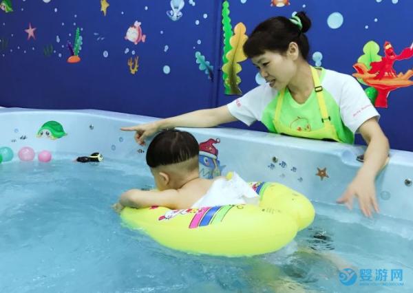 怎么让孩子安全又舒服的游泳?去婴儿游泳馆