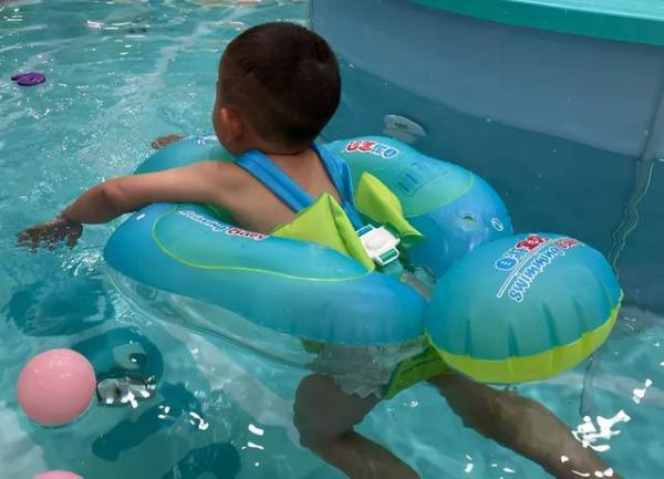 家长们该如何判断婴儿游泳馆的水质