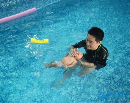 家长请注意:幼儿溺水多发生在家里,夏季要重视