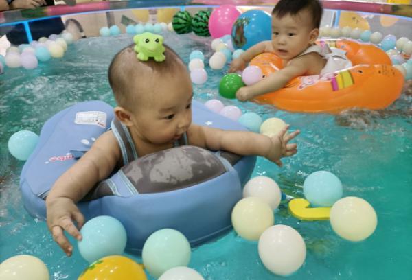 为什么孩子一定要游泳,家长们进来了解一下