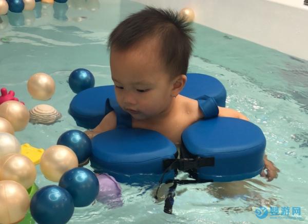 婴幼儿游泳能让全家受益?原因竟然是这个