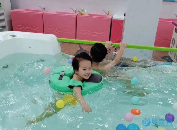 婴儿游泳馆店长会不会经营,看这些就知道了