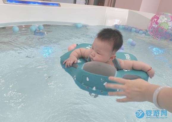 游泳能够帮助宝宝长高个,尤其是这个泳姿