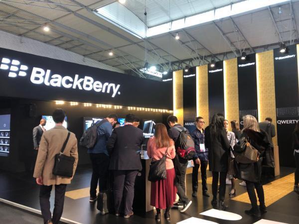 黑莓向华为出售90项智能手机专利