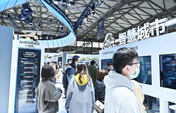 5G和AI共舞,逐鹿数字时代:亚信科技亮相2021MWC上海展