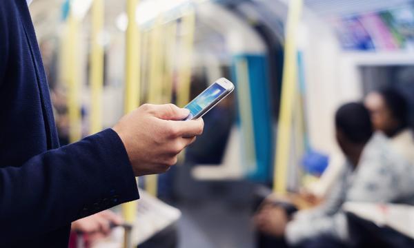 天猫618华为和苹果上演对决,超100万人将手机放进淘宝购物车