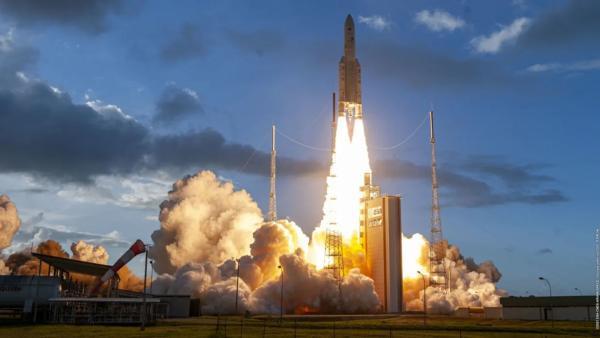 商业卫星服务新纪元!世界首颗在轨可重新编程量子卫星成功发射