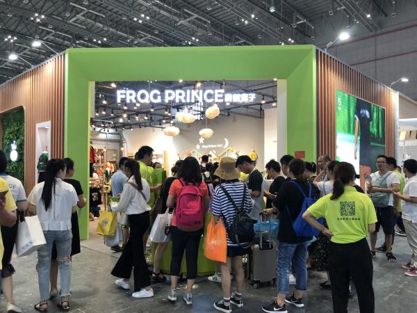 青蛙皇子惊艳亮相CBME 助力童装产业进步