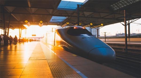 春运购票时间表发布!预售期延长至30天 首日火车票本月23日可买
