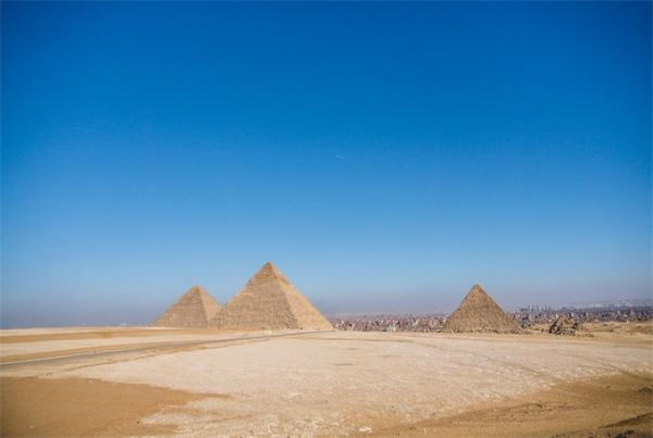又一发现!埃及出土狮身羊面像 一大一小3000年前被留在了采石场