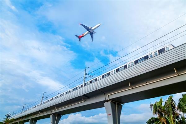五一返程高峰:今年4天小长假回程 全国铁路预计发送旅客1667万人次