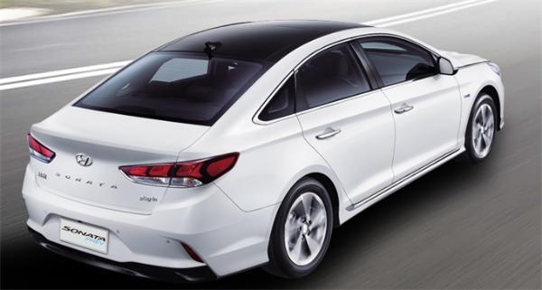 暴晒6小时,行驶3.6公里 全球首款量产太阳能汽车会不会太鸡肋?