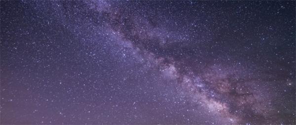 7亿光年外存在超大黑洞,质量是太阳的400亿倍!