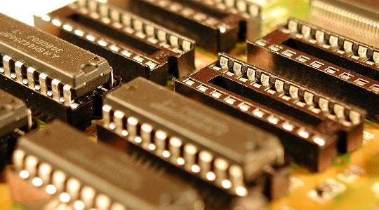 中国龙芯发布新一代国产处理器 全自主研发今年已出货50万颗