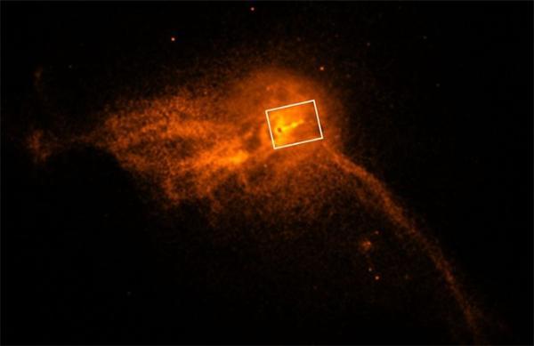 爱因斯坦又赢了!M87星系的黑洞喷射出超光速物质?科学家:是错觉
