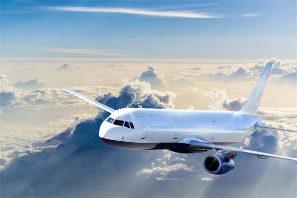 小心!坐飞机时感染上新冠病毒的可能性有多大?