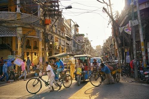 又一起!印度首都新德里出现群体感染:24人确诊334人隔离