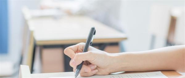 书籍不应消失!挪威研究显示儿童阅读纸面比电子屏幕理解得更好