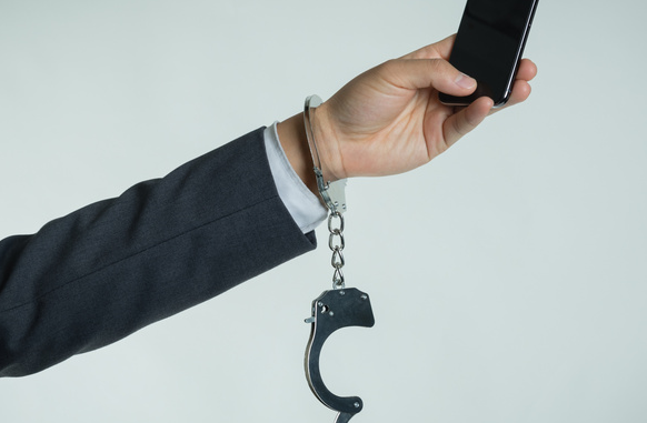 警惕!微信亲属卡成新型诈骗利器 不要随便与陌生人绑定亲属卡