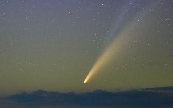 肉眼可见!尼欧怀兹彗星划过北半球 错过要等6800年才会造访太阳系