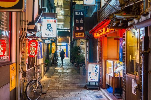 六成日本人出现新冠疑似仍上班,日本单日新增确诊病例再次超过1000例