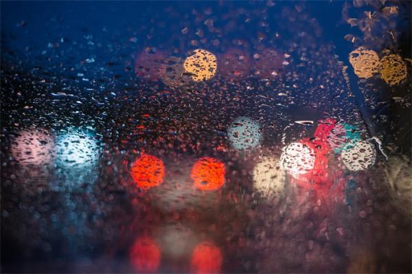 最强降雨!北京发布今年首个洪水预警,首都机场取消航班142架次