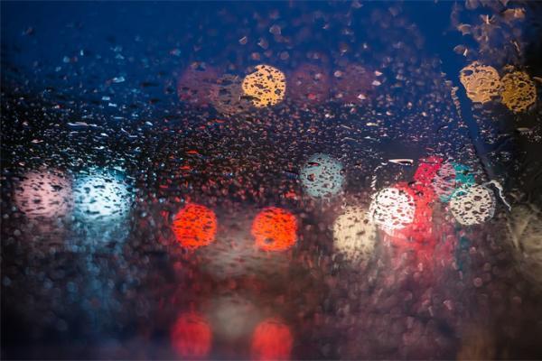 最强降雨!北京发布今年首个洪水预警,首都机场取消航...